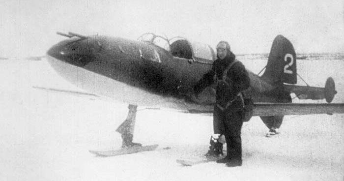 Г.Я. Бахчиванджи перед вылетом 10 января 1943 г.