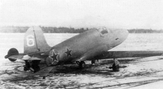 БИ-6 без ПВРД на аэродроме.