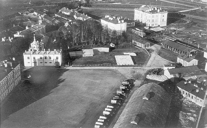 Воздухоплавательный парк, снимок начала 1900- годов. Фото из архива семьи Кованько.
