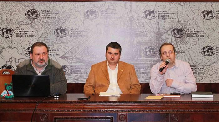 Слева-направо С.В. Фёдоров, Г.Н. Галкин и В.В. Лебедев. Фото Т.Г. Николаевой.