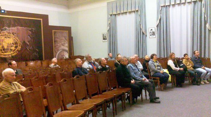 Первые слушатели нового проекта. Фото В.В. Лебедева.