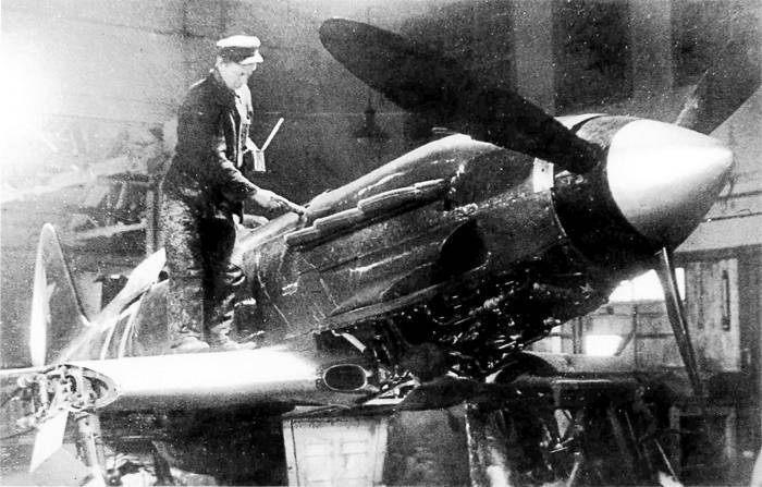 МиГ-3 в цехе Авиаремонтной базы № 1 Ленинградского фронта