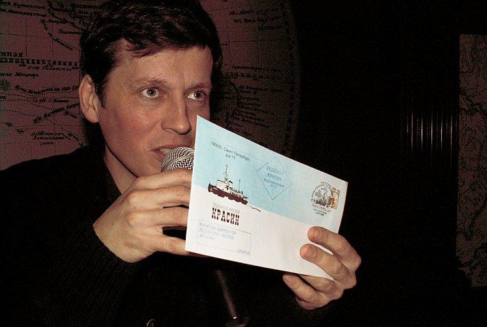 М.А. Савинов рассказал о некоторых последних музейных поступлениях. Фото В.В. Лебедева
