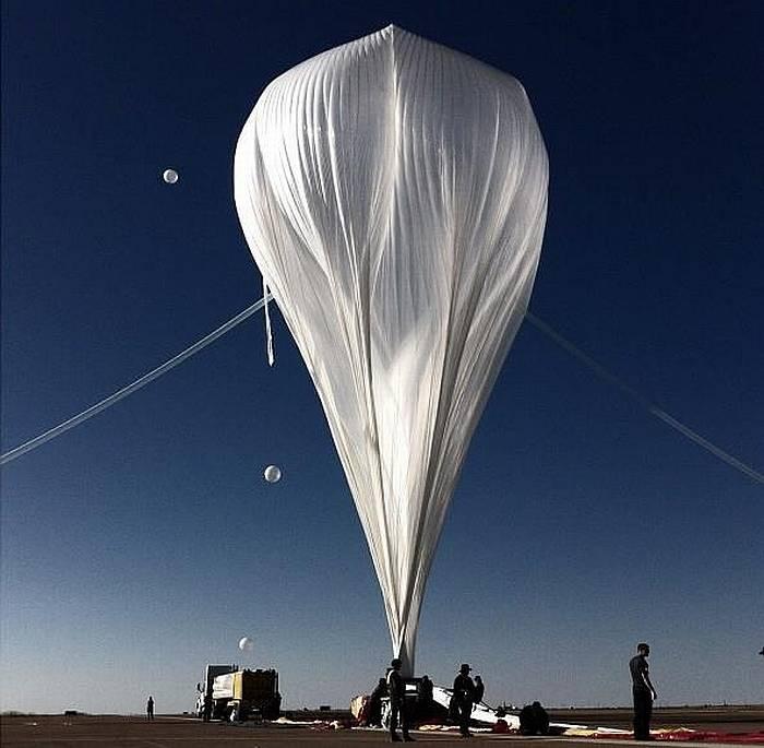 Воздушный шар, поднявший Баумгартнера на край космоса. Фото из интернета