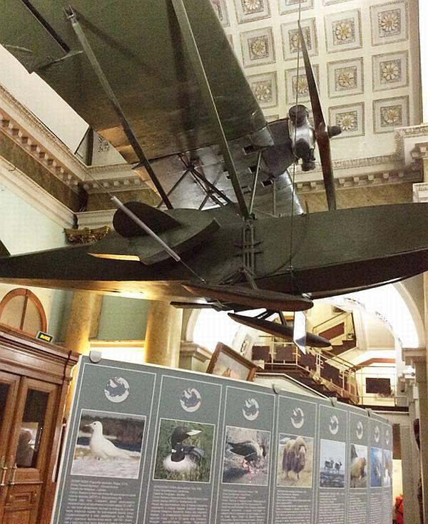 """Легендарная """"Шаврушка"""" встречает на входе всяк входящего, задавая тон созерцания всей экспозиции Музея Арктики и Антарктики"""