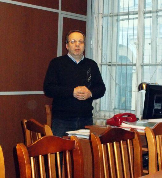 Докладчик - В.В. Лебедев. Фото Ю.А. Хаханова.
