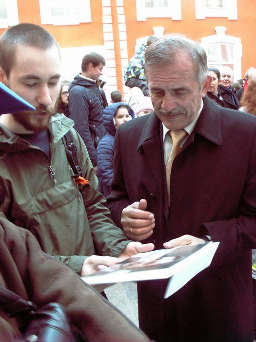 Взять автограф у такого космонавта, как Павел Владимирович Виноградов - Святое Дело. Фото В.В. Лебедева