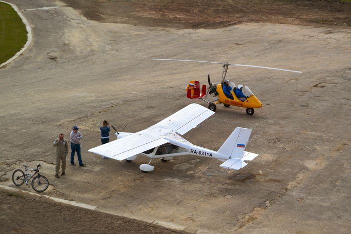 Не менее интересным на земле для иностранцев было знакомство с отечественной авиационной техникой. Аэродром «Середка», г.Псков. Фото с квадрокоптера от Житинского.