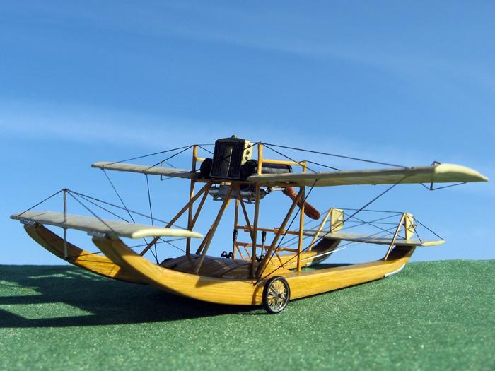 Модель первого в мире самолёта-амфибии ''Гаккель-V'' конструкции Я.М. Гаккеля, 1911 г.