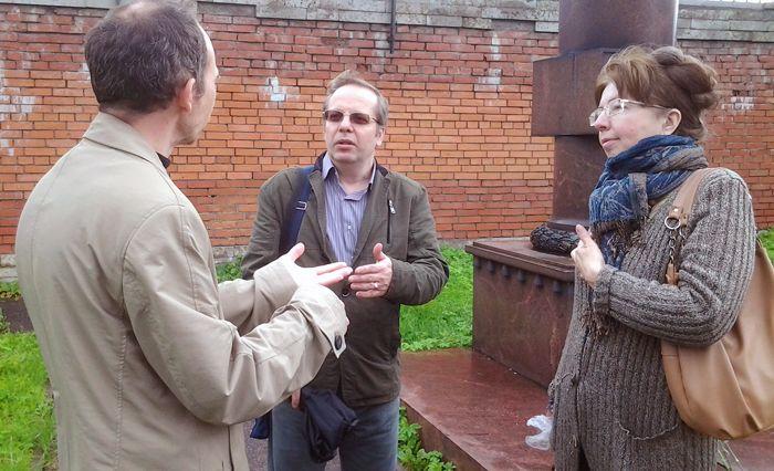 Обелиск авиатору Мациевичу на Никольском Кладбище
