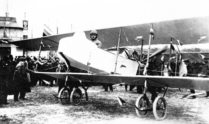 """""""Фарман"""", построенный на """"Дуксе"""" с минимальными изменениями. На конкурсе военных аэропланов 1912 г. он получил 3-е место"""