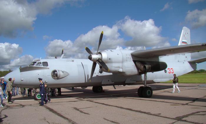 Военно-транспортный самолёт Ан-26. Фото С.Н. Ганина.