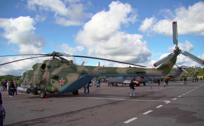 Транспортно-боевой вертолёт Ми-8МТВ-5. Фото С.Н. Ганина.