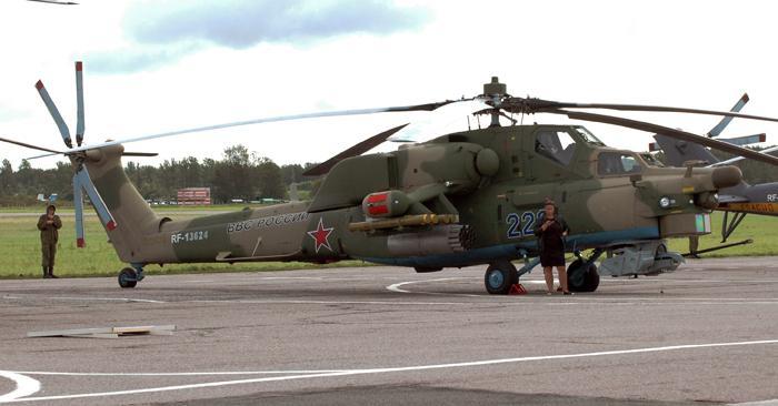 Современный летающий танк Ми-28. Фото С.Н. Ганина.
