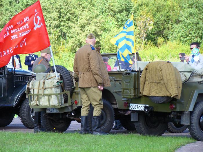 Историческая экспозиция была представлена реконструкторами и наземной техникой времён Великой Отечественной войны. Фото С.Н. Ганина.