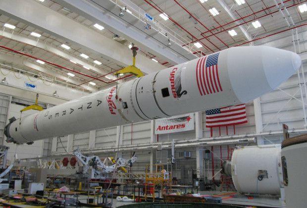космического корабля Cygnus с грузом для МКС на оснащенной российским двигателем РД-181 ракете Antares