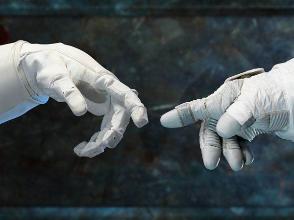 Отношения мужчины и женщины в космосе