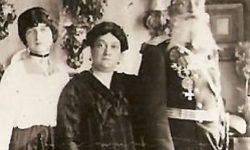 Справа-налево ген. А.М. Кованько, его жена Елизавета Андреевна и дочь Вера.