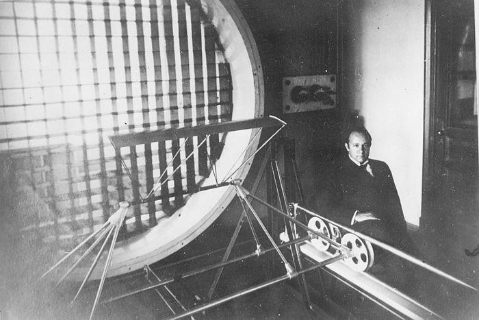 Георгий Александрович Ботезат (1882-1940) - учёный, изобретатель и конструктор, построивший один из первых в мире летающих вертолётов (1922)