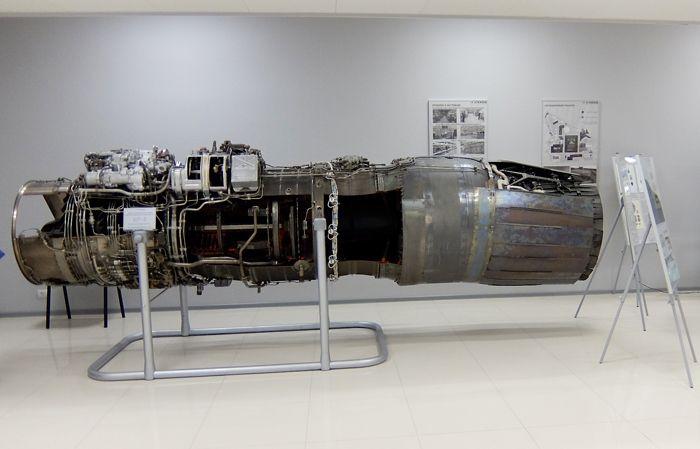 Модификация двухконтурного турбореактивного двигателя РД-33 с отклоняемым вектором тяги для МиГ-29ОВТ.