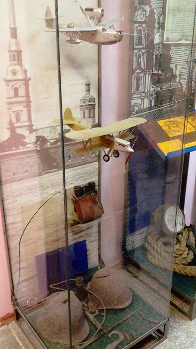 Прекрасно сделанные авиационные модели наглядно рассказывали об этой истории. Фото А.А. Лукьянова