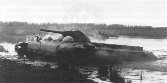 """Танк на воздушной подушке (Объект 780) – """"ползолёт""""."""