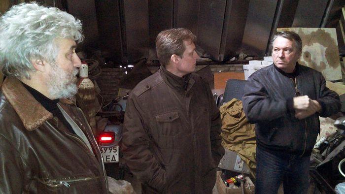 В гостях у И.Г. Деева (справа) А.Е. Ронис (слева) и В.В. Кузнецов (в центре). Фото А.А. Лукьянова