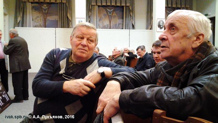 Фото: Олег Александрович Серов (слева) и ветеран военной авиации, общественный деятель за возрождение ленинградского аэроклуба и аэродрома Горская Валерий Фёдорович Шведов