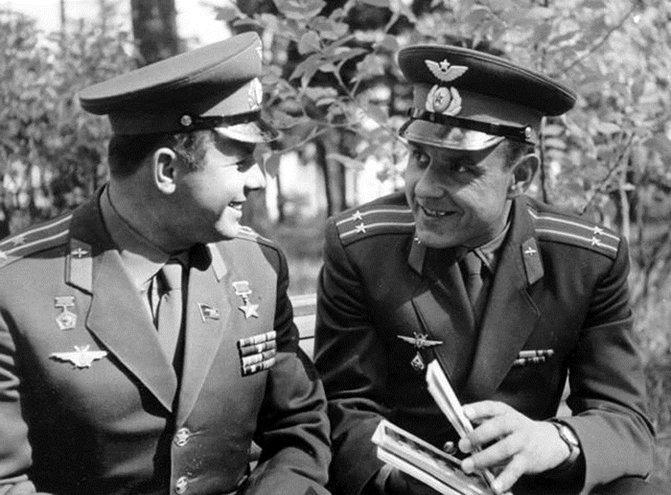фото Юрия Гагарина и Владимира Комарова
