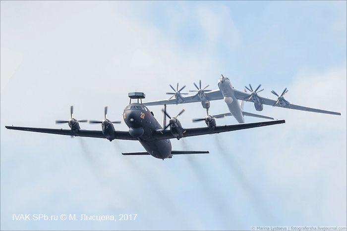 Ил-38 и Ту-142МЗ в воздушном параде