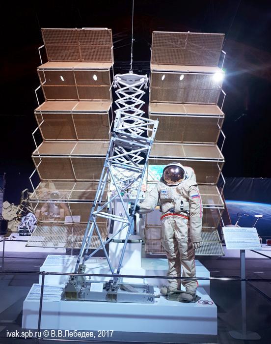 рабочий скафандр «Орлан-ДМА» российских космонавтов на Международной космической станции