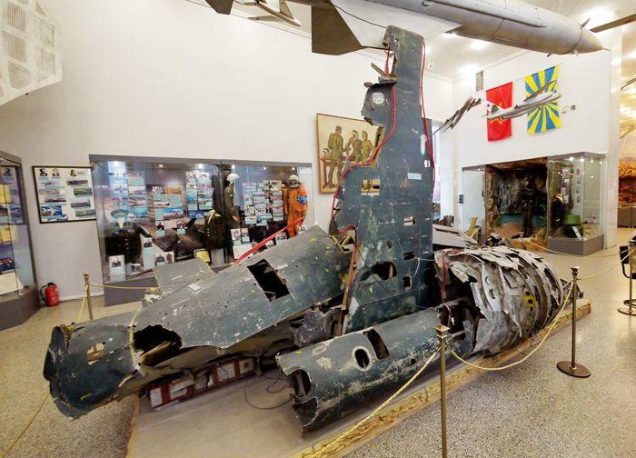 Обломки американского самолёта-разведчика U-2 в современной экспозиции Центрального Музея Вооружённых Сил России в Москве