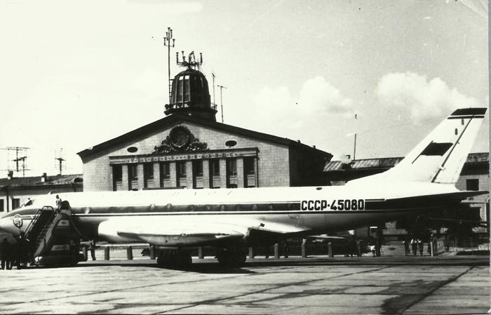 Первые самолеты Ту-104 в Вильнюсе