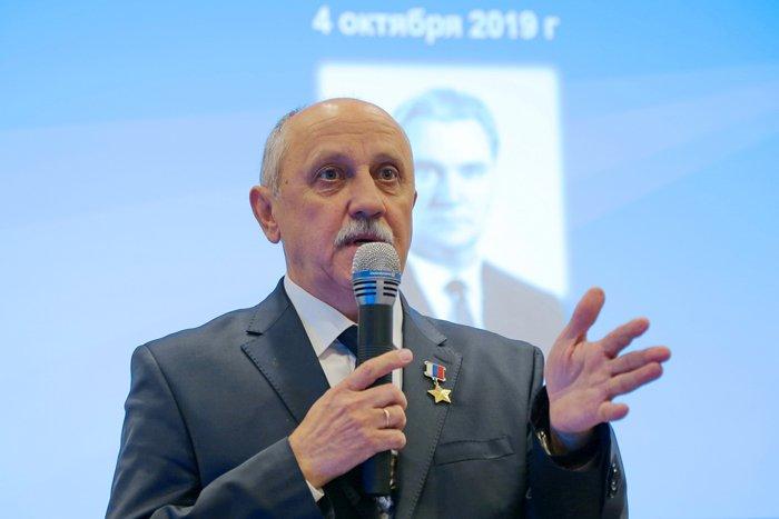 Юрий Владимирович Усачёв